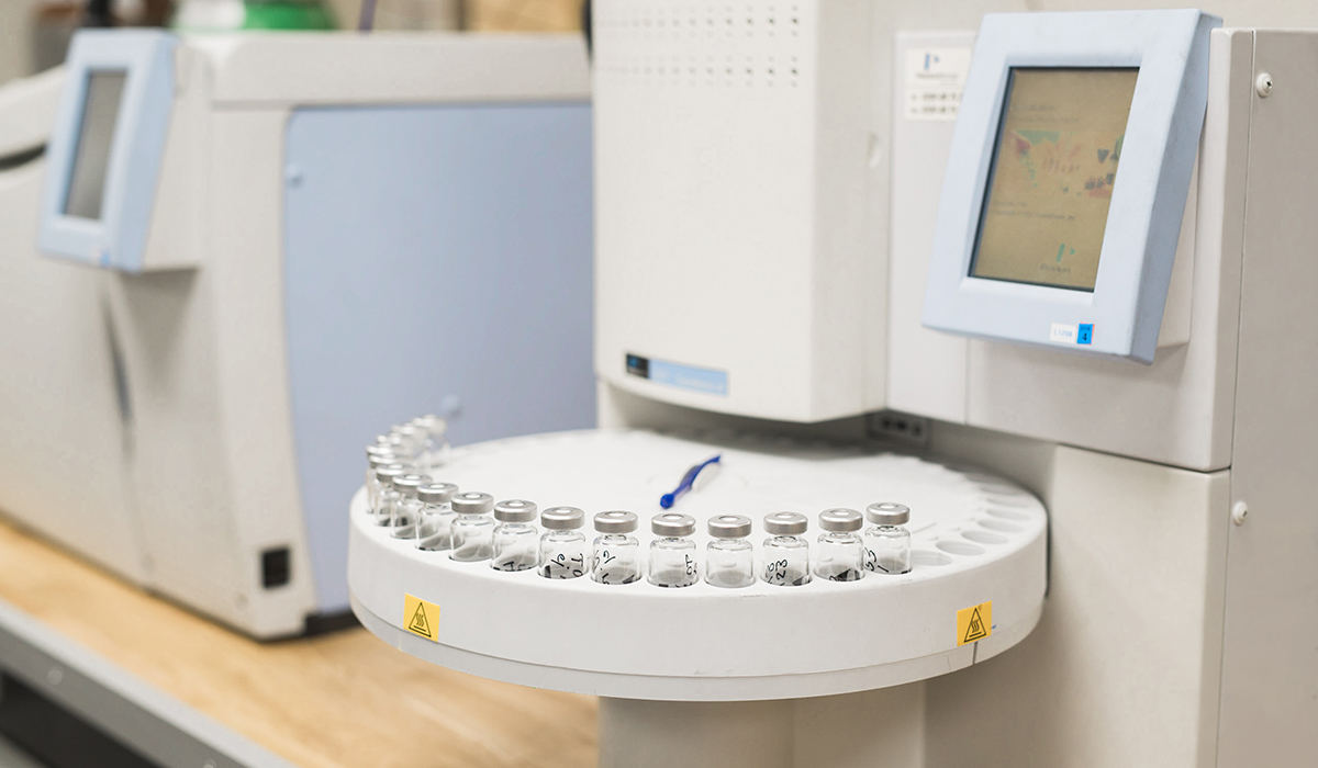 Gas chromatograph with Headspace